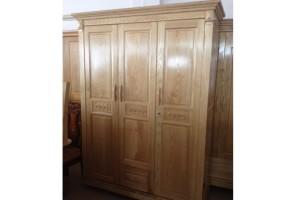 Tủ quần áo gỗ Sồi Nga 3 cánh kiểu 2