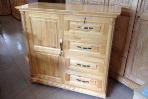 Tủ quần áo trẻ em gỗ Thông