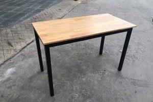 Bàn chân sắt V4 mặt gỗ cao su 1