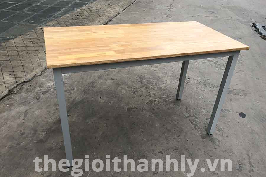 Bàn chân sắt V4 mặt gỗ cao su