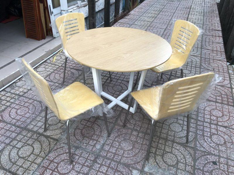 Ghế lưng gỗ chân inox 1